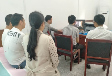隆回县委网信办组织党员观看廉政教育片