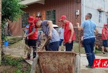 【三大行动】县人社局到竹塘村开展志愿服务 助力美丽乡村建设