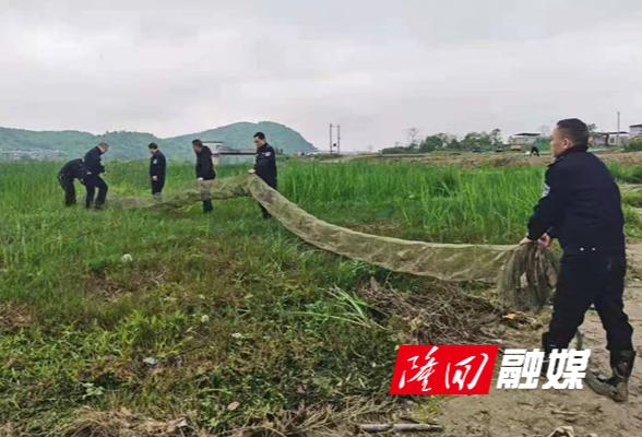 桃花坪街道联合县农业农村局开展禁用渔具清理整治专项行动