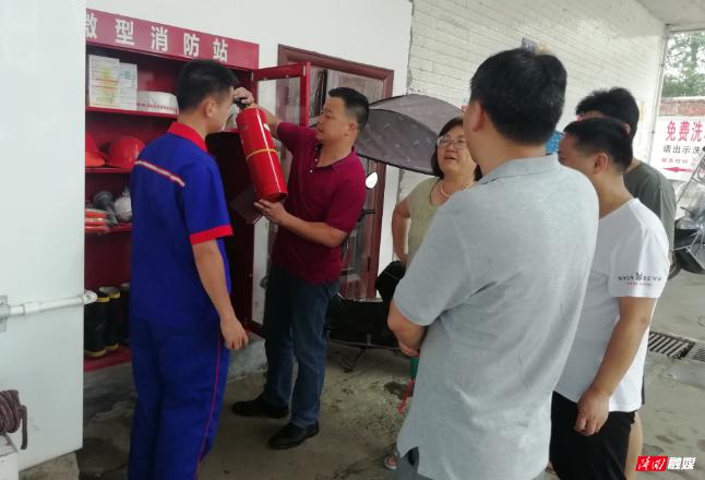 荷香桥镇开展安全生产检查 筑牢安全防线