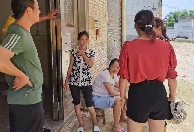 金石桥镇金南社区推进新冠疫苗接种工作