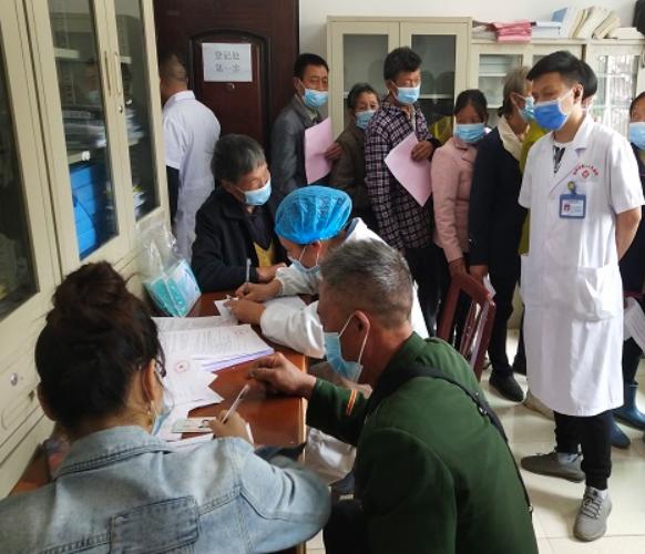大水田乡白马山村措施得力 群众积极接种新冠疫苗