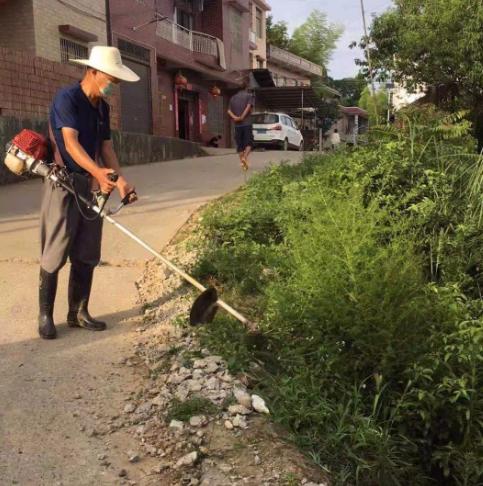 隆回县三阁司镇掀起农村公路养护热潮