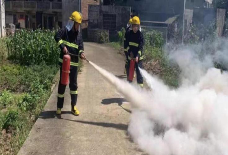 六都寨镇开展村(社区)消防安全演练