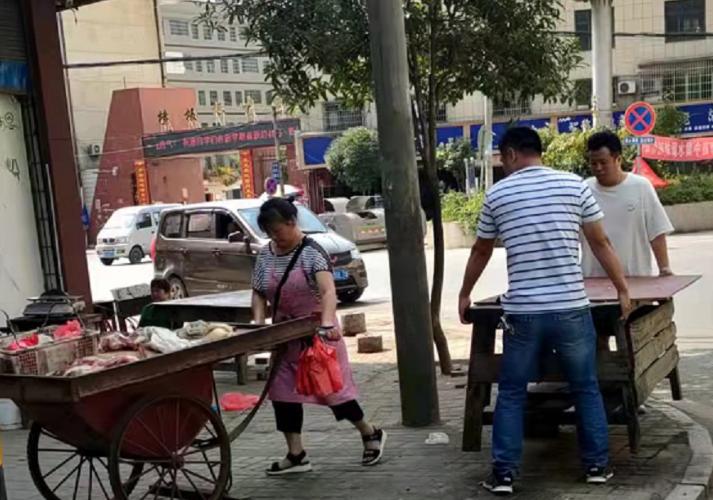"""横板桥镇广泛开展严管街""""三清""""专项行动"""