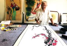 """办起个人书画展庆生,79岁老人""""生日宴""""上全是文化味"""
