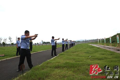 宁远:实弹射击训练提升民警警务实战技能2_副本500.jpg